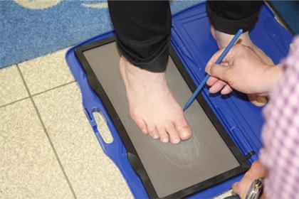 1)情報収集・足形計測・フットプリント作成
